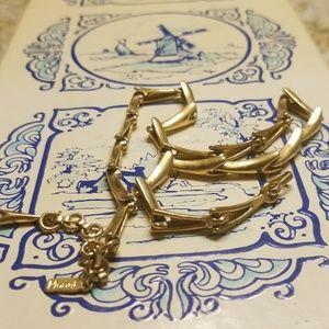 Monet gold tone necklace PM 750